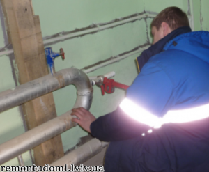 Монтаж сталевих труб у Львові